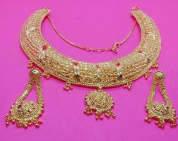 Traditional Kuiri Shape Gold Plated Choker Style Necklace Set for Women
