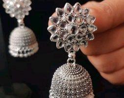 Diva Elegant Earrings